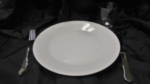 Ruoka-astiasto, vuokrataan
